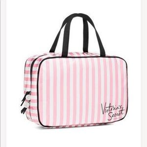 Victoria's Secret Travel Makeup Travel Bag🌹🌹